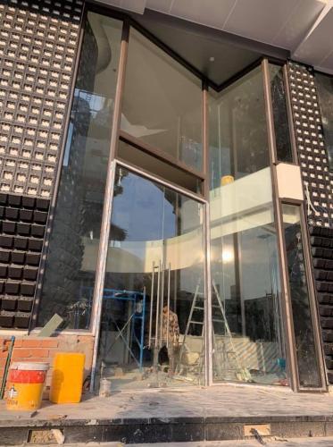 Cửa hàng cắt nhôm kính tại quận 8 tại Tp HCM- 0986 964 265
